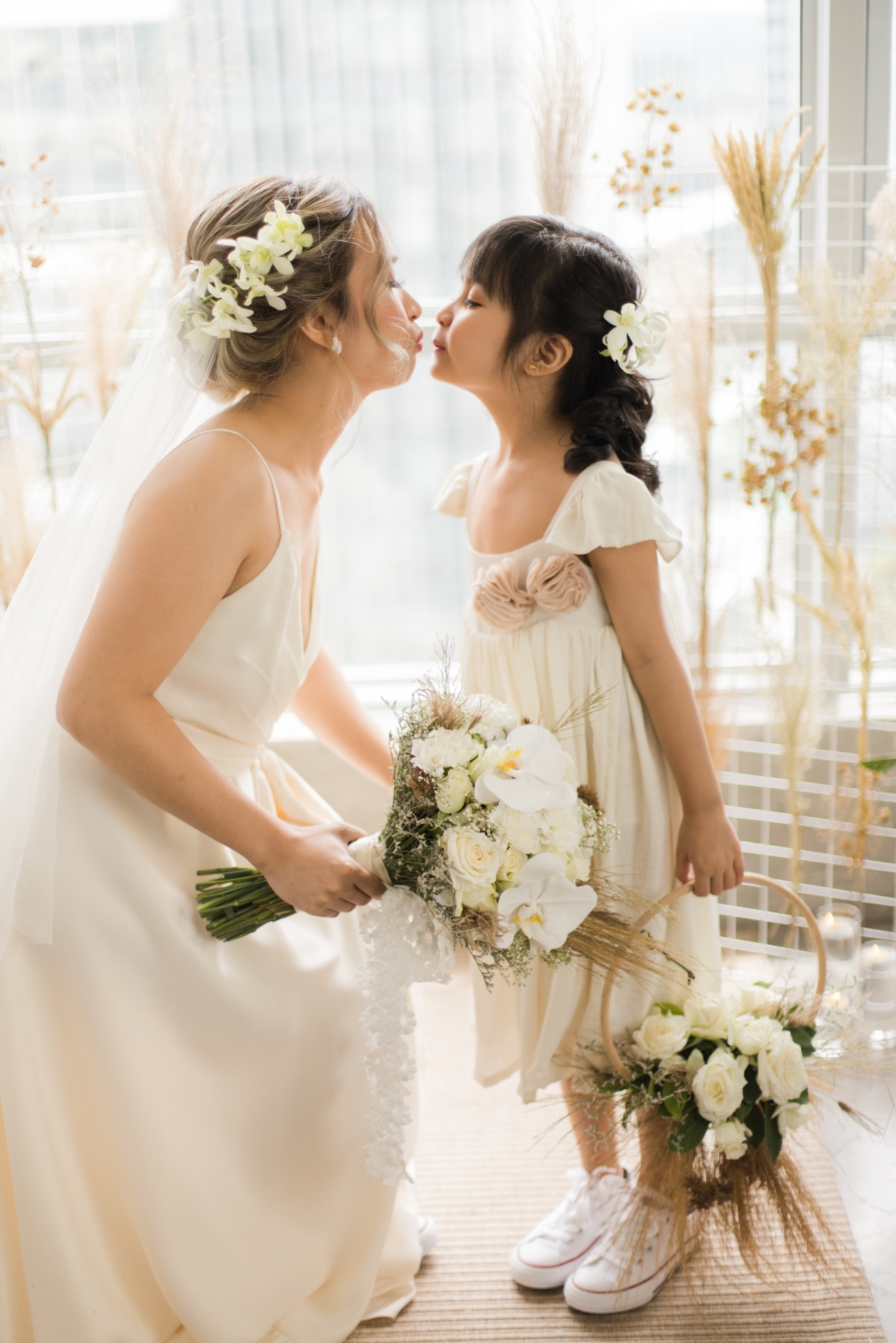bride and flower girl photography pose idea