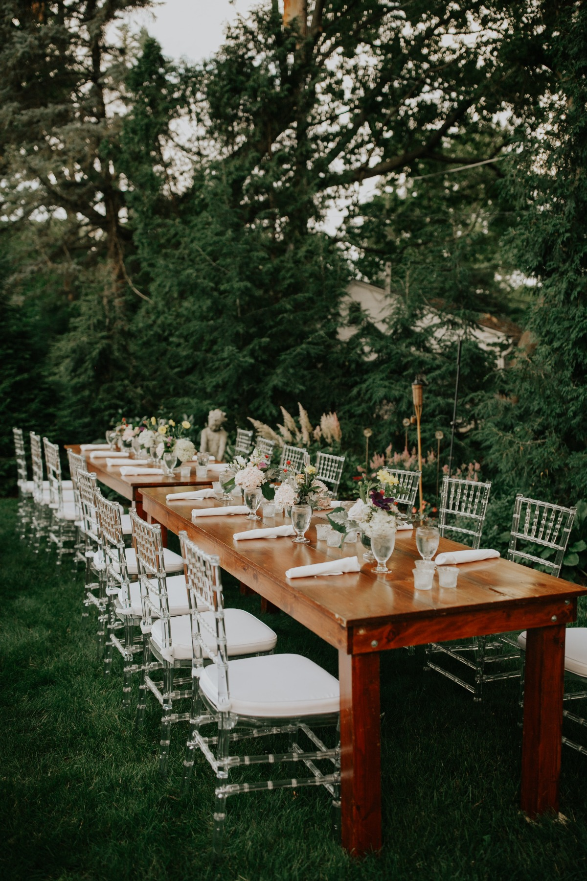 outdoor wedding reception ideas with lucite chairs