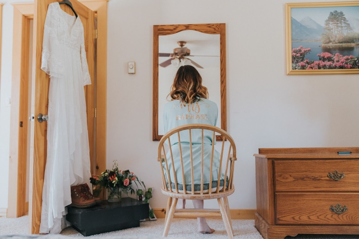getting wedding ready at adventure elopement