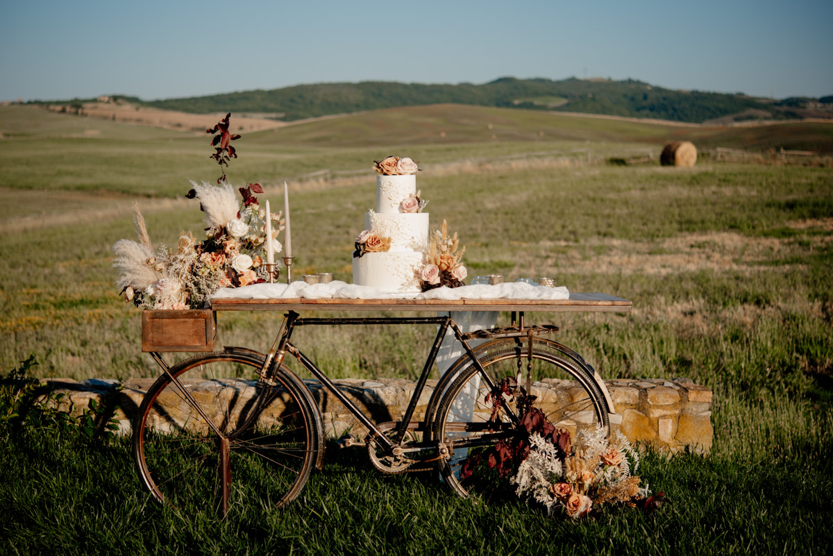 Boho Sunset Wedding Inspiration in the Tuscan Hills
