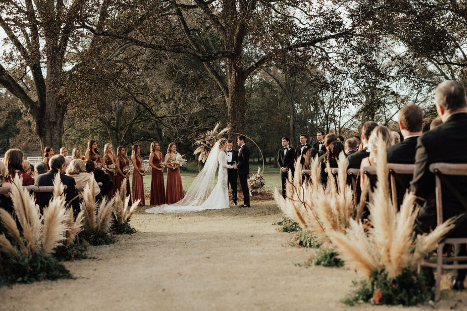 fall wedding ceremony decor ideas