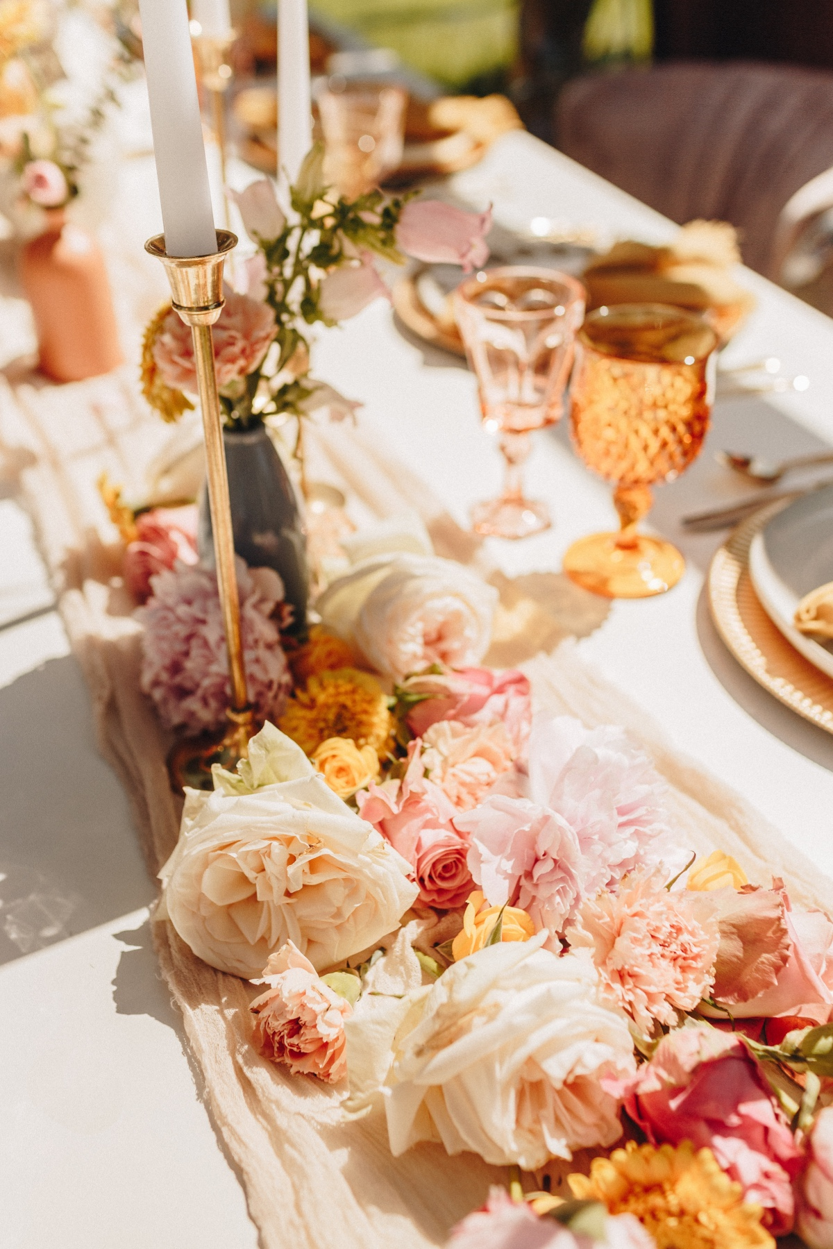 We Get Retro Vibes from this Palm Springs Wedding Inspiration
