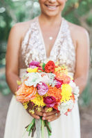 Bouquets That Go With Your Bridesmaid Dresses