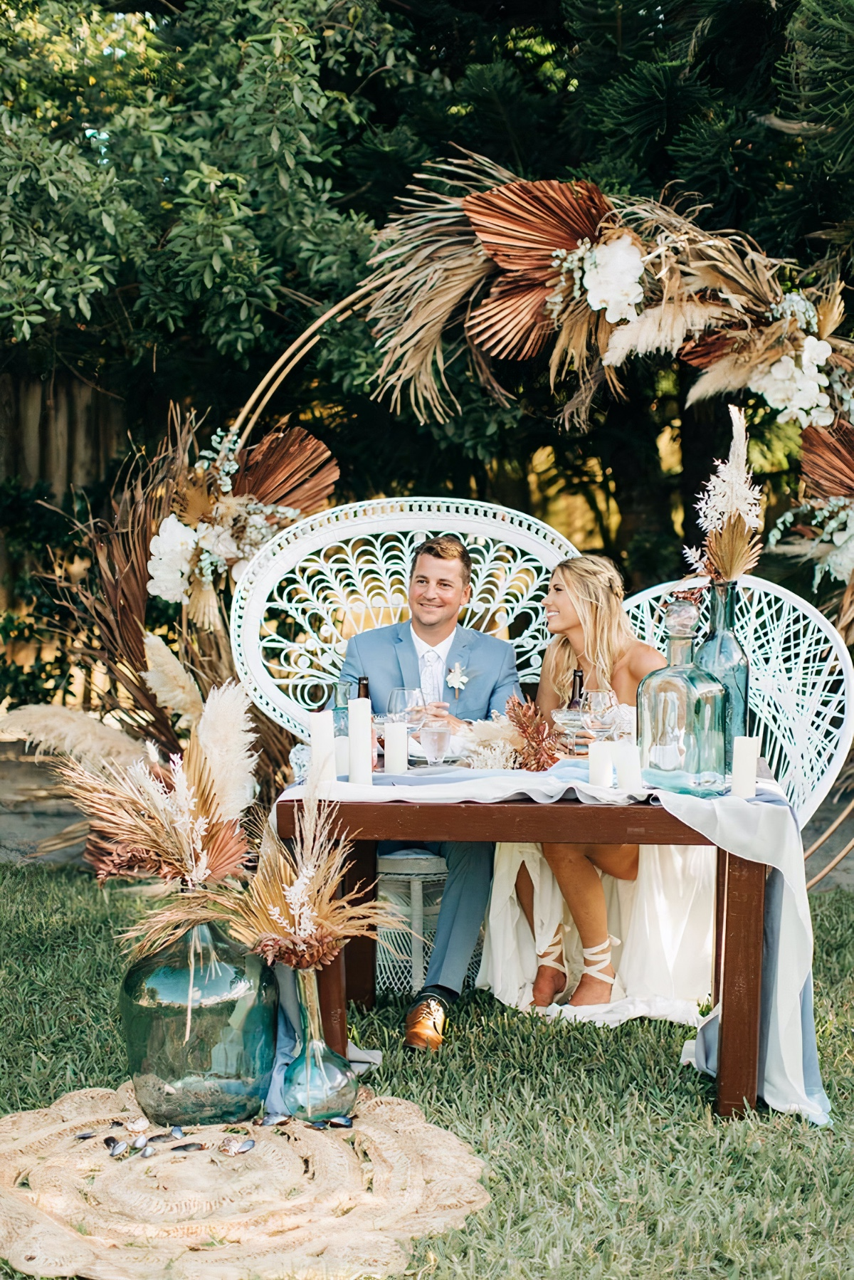 Perfect Backyard Wedding Tips from The Bride Candy