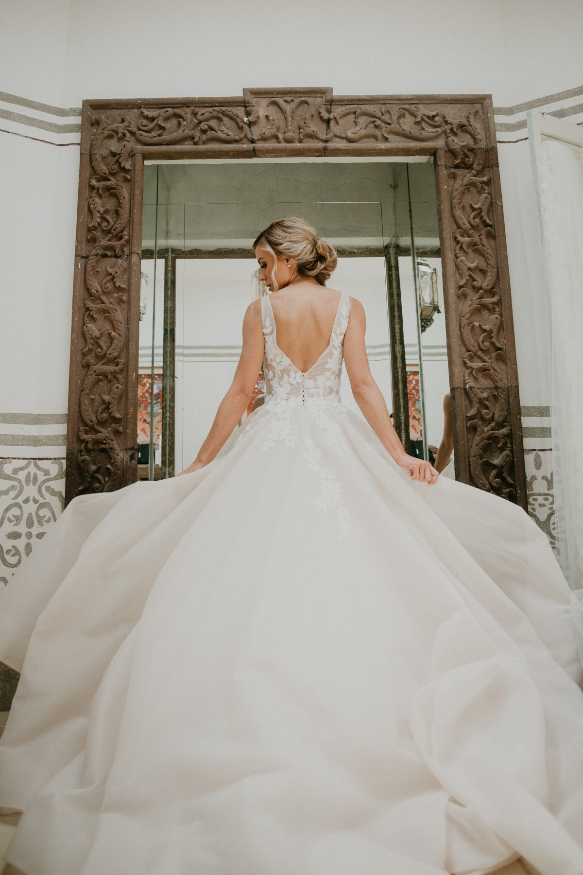 Enozani wedding dress