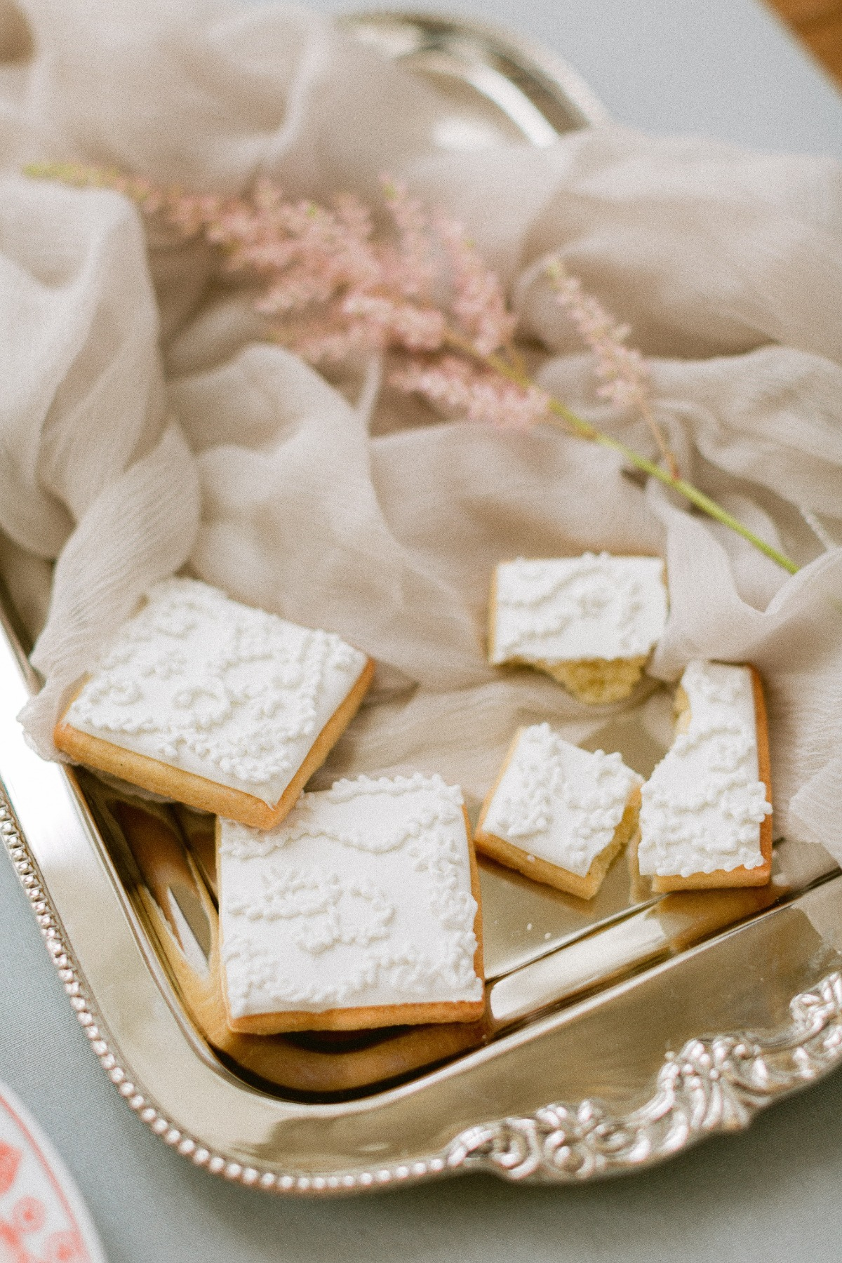 wedding cookies designed by Sucre & Cacao