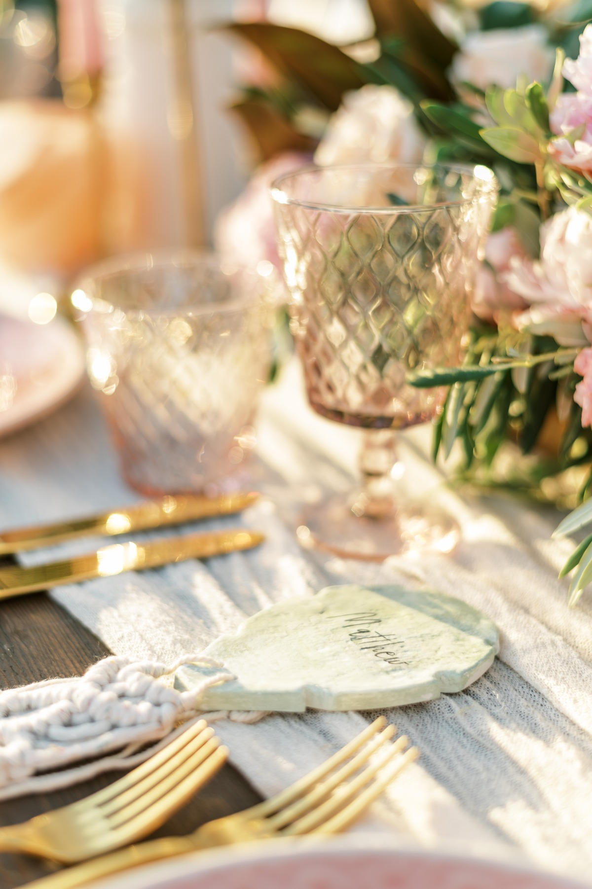 The Most Chic Beachy Wedding Day For Your Boho Heartt