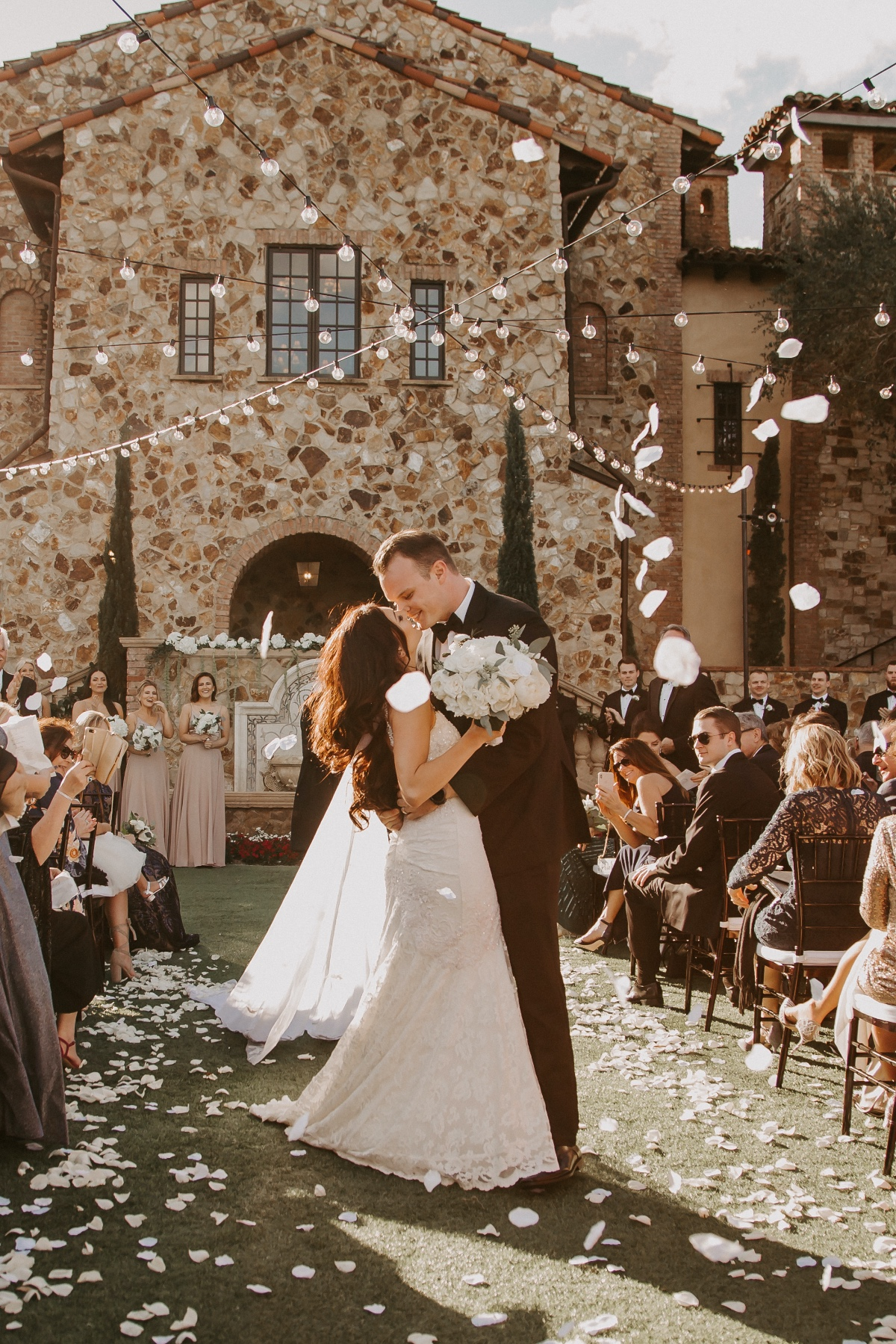 How To Plan A Glam Tuscan Themed Wedding For 50k