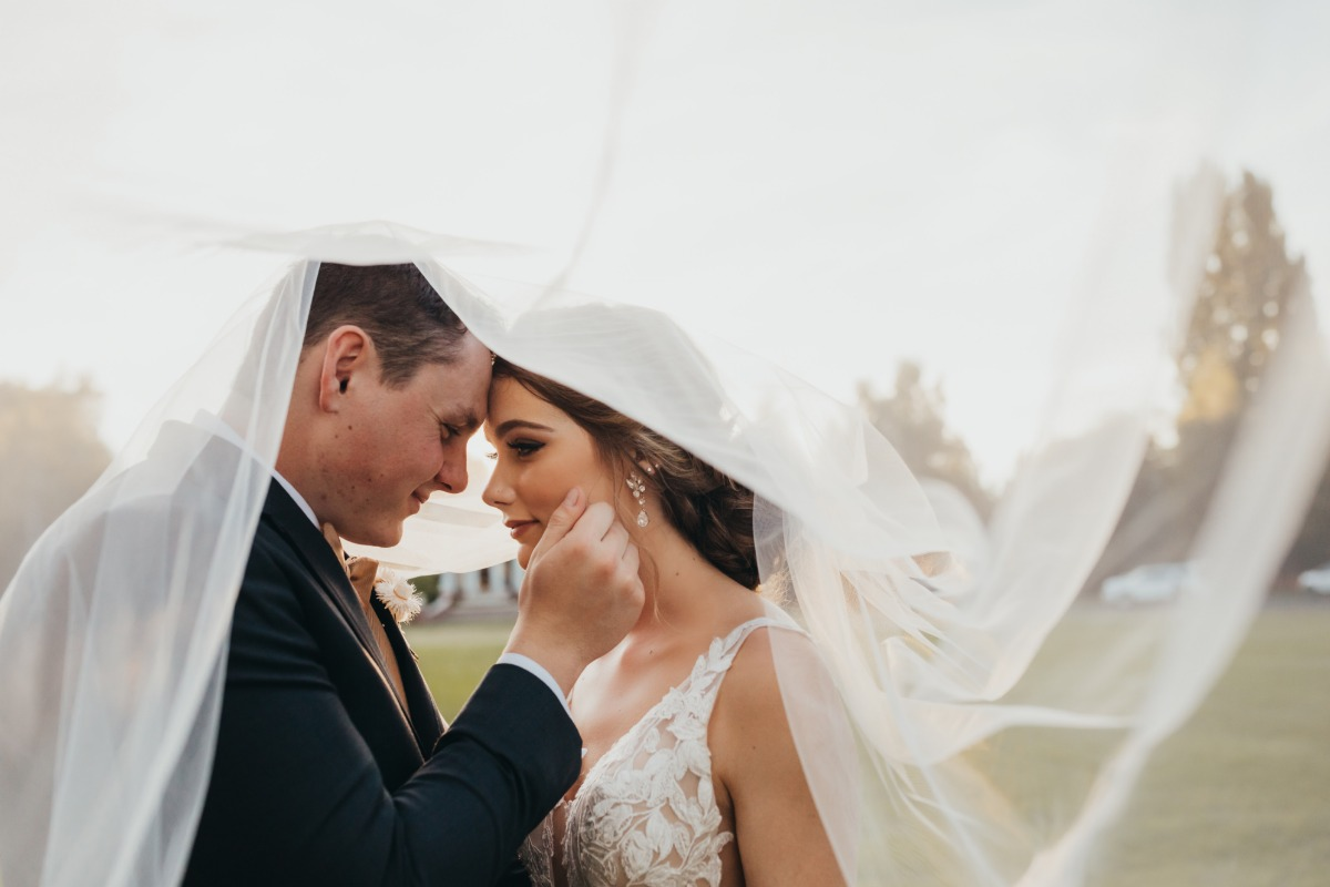 This West Yakima Valley Wedding Shoot Mixes All the Best Trends for a Major Modern Boho Look