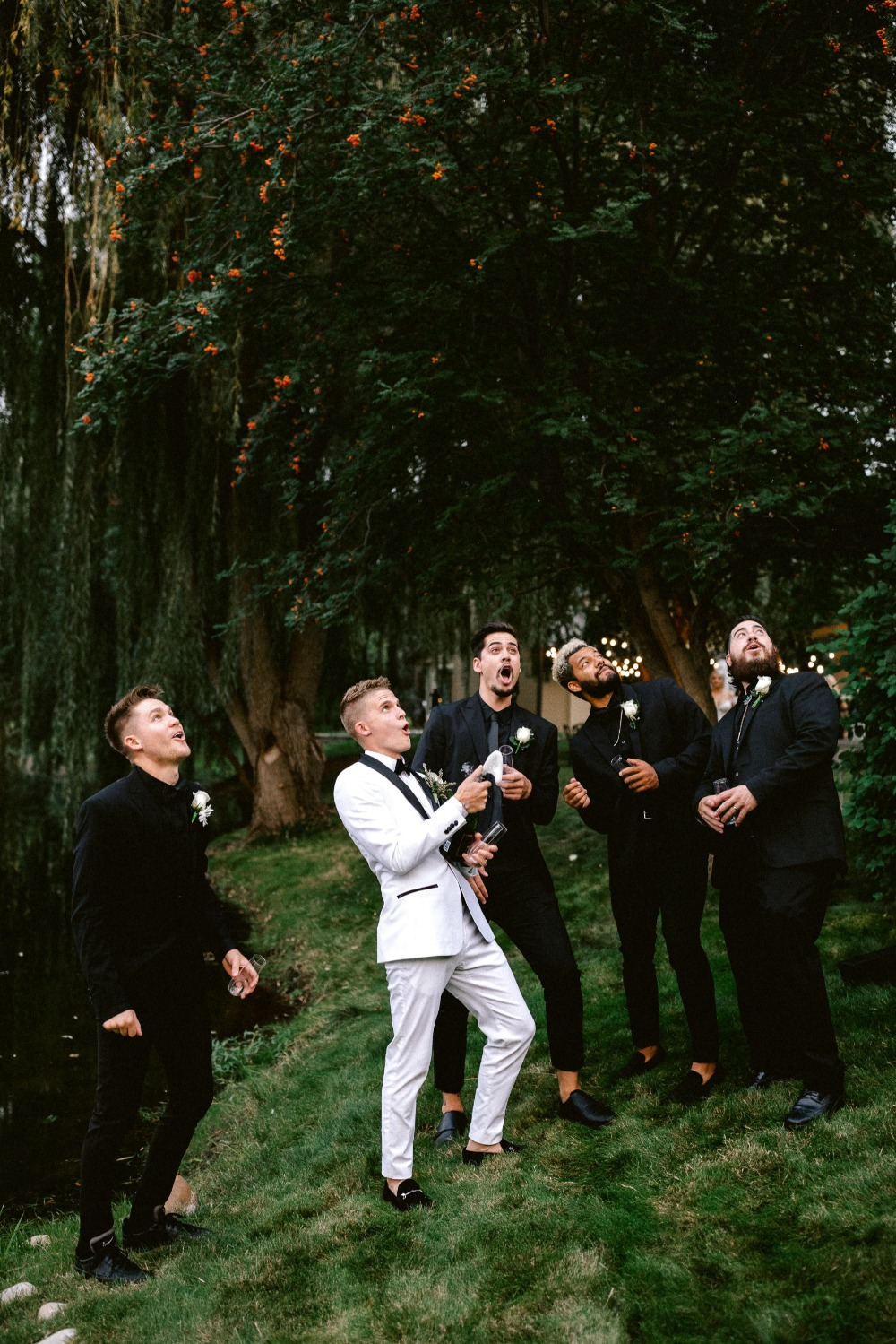 fun photo idea for the groom and his men