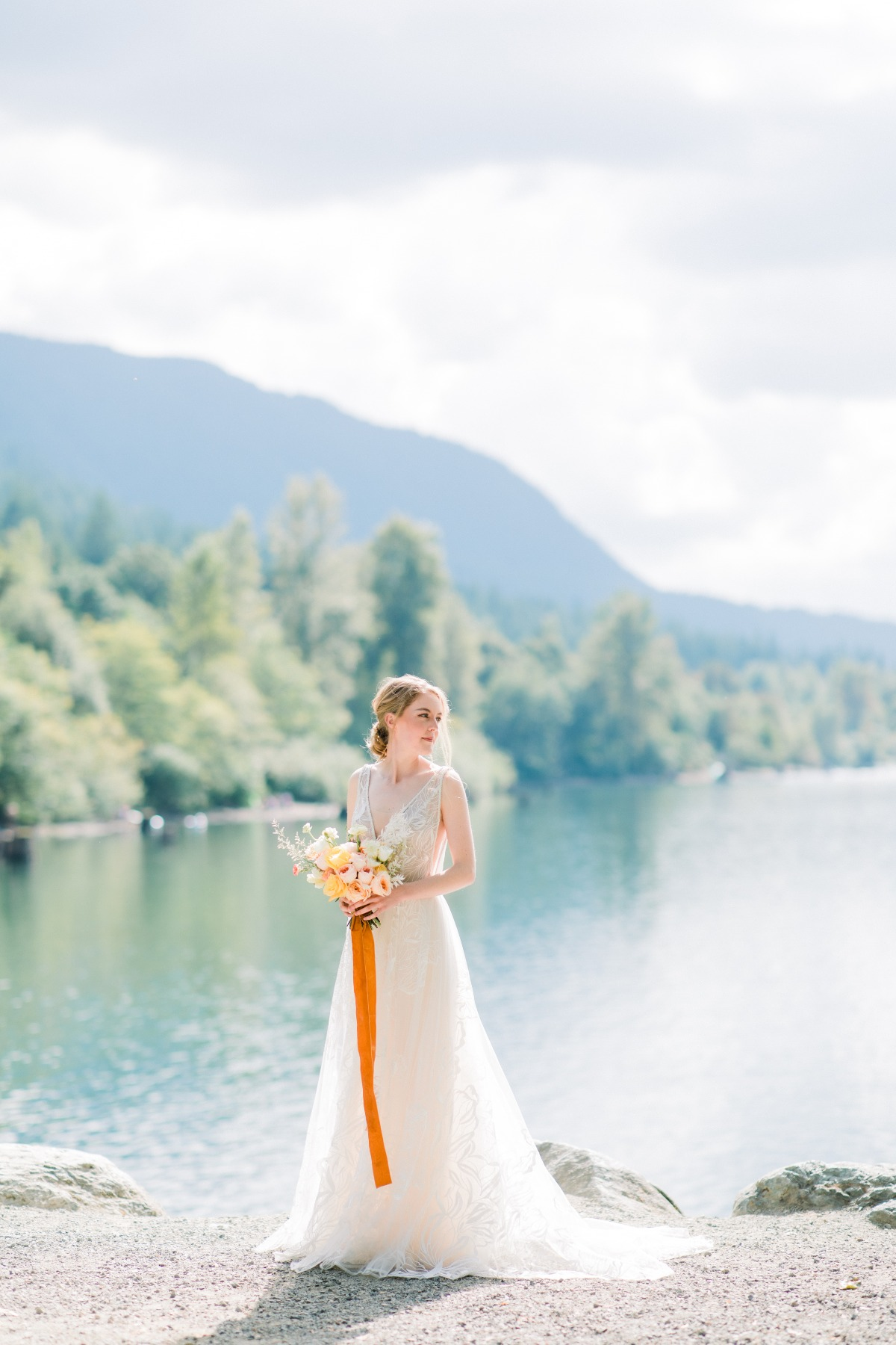 A Bridal Shoot Inspired by the Seattle Sunset in Late Summer