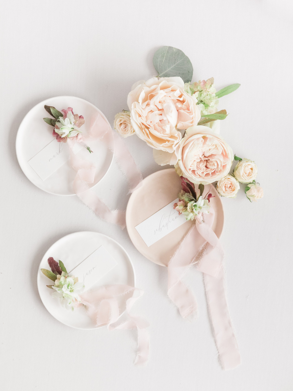 How To Have An Elegant Greek Wedding in Pink and Green