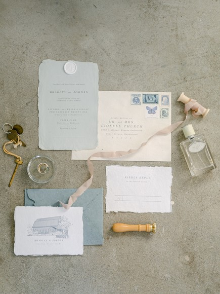 Chip and Joanna Would Be So Proud of This Magnolia-Inspired Microwedding In the PNW