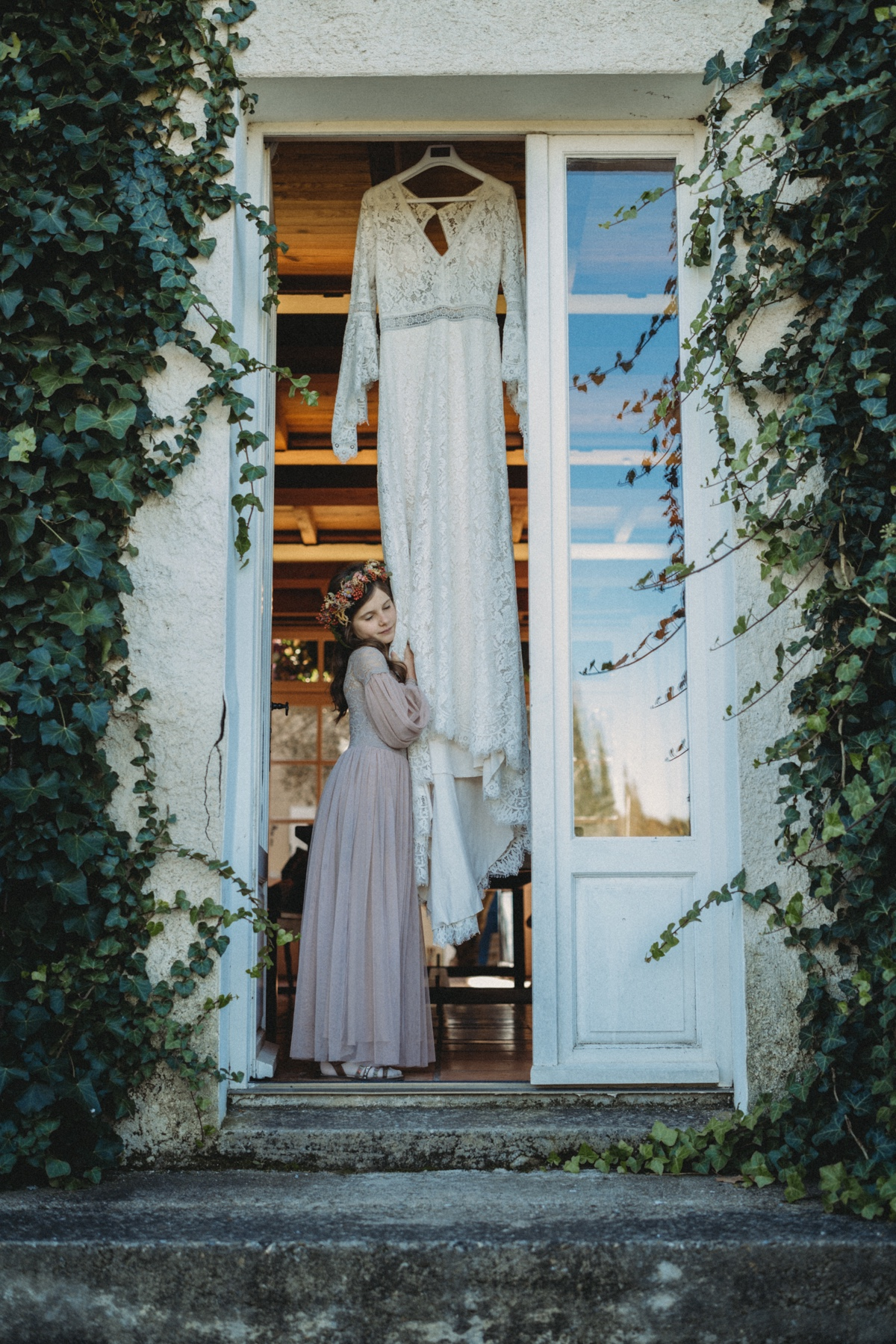 A Cozy Coral and Taupe Fall Wedding in France