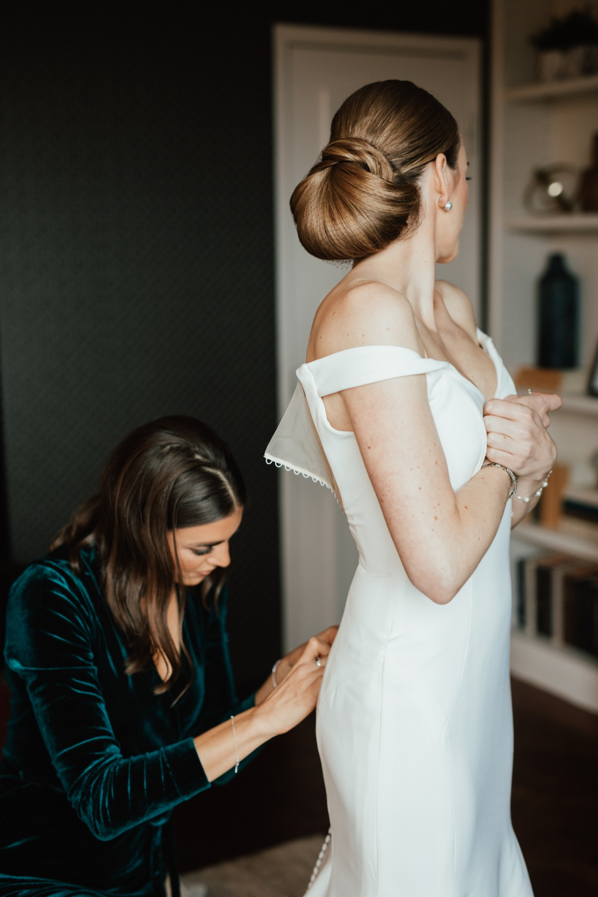 How To Have A Sophisticated Jewel Toned Wedding