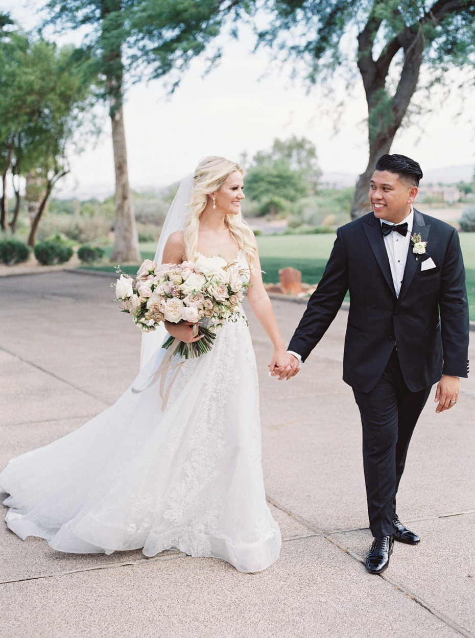 Connecting With Your Closest Crew Is What Red Rock Country Club Weddings Are All About