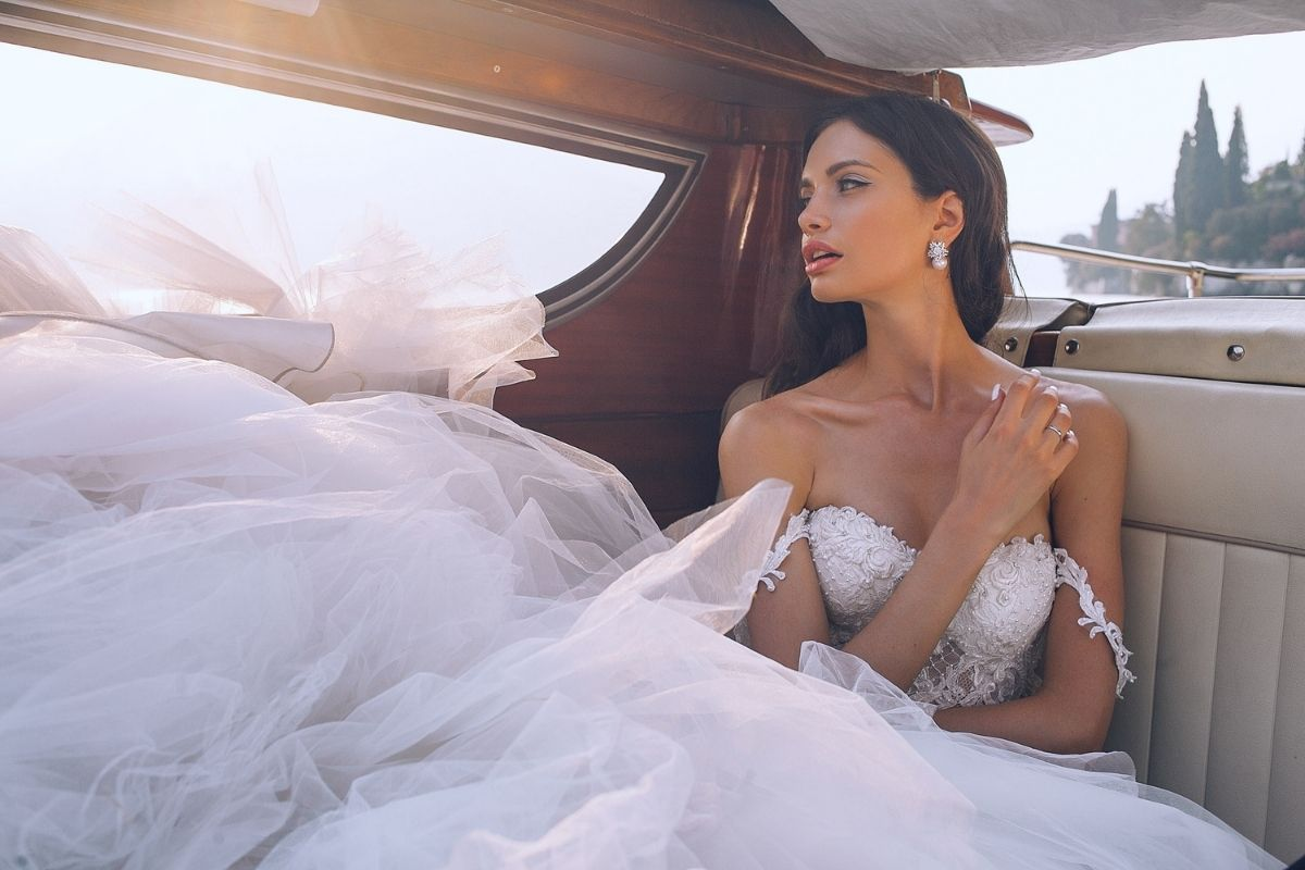 WOULD YOU WEAR A SECOND-HAND WEDDING DRESS?