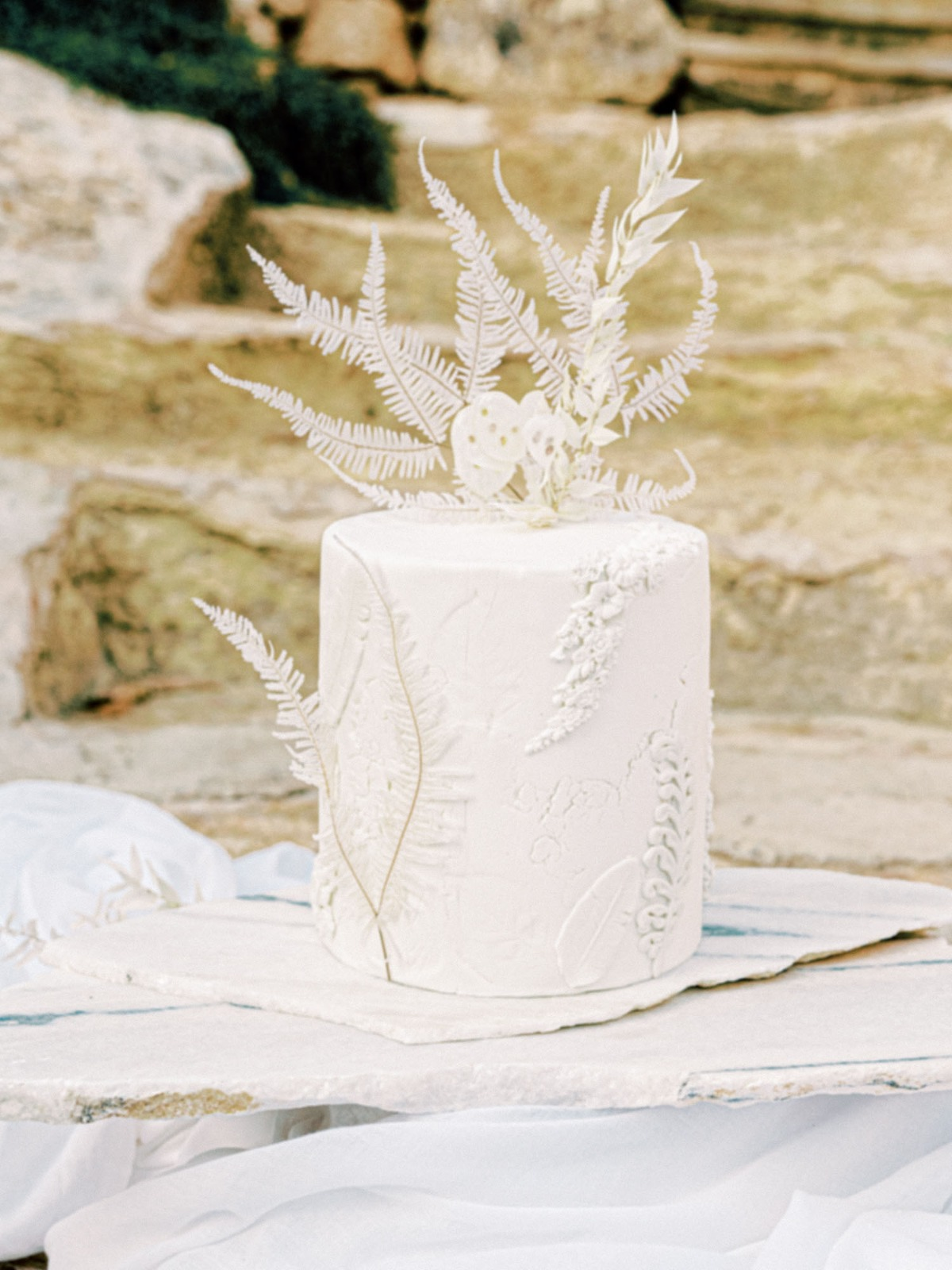 Endless ruffles and Apulian charm in this Italian celebration in purest white