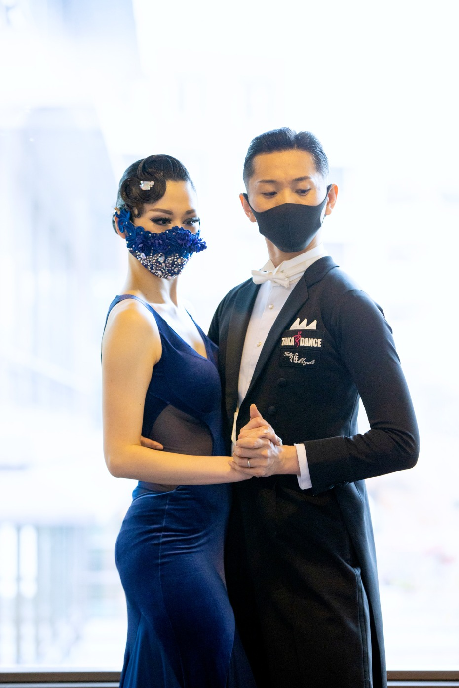 These Stunning Face Masks Offer the Peace of Mind Every Bride Needs On Her Wedding Day