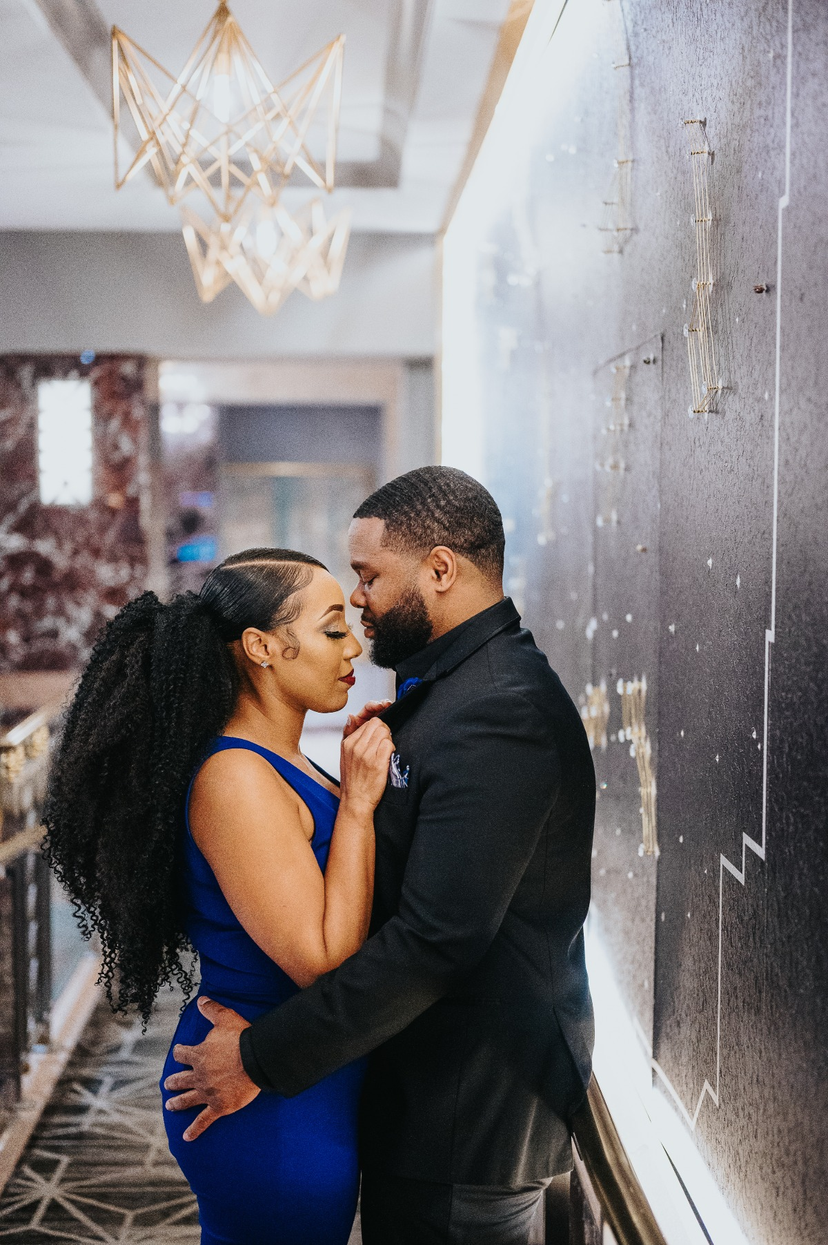 A Red Carpet Worthy Engagement Session In Columbus, Ohio