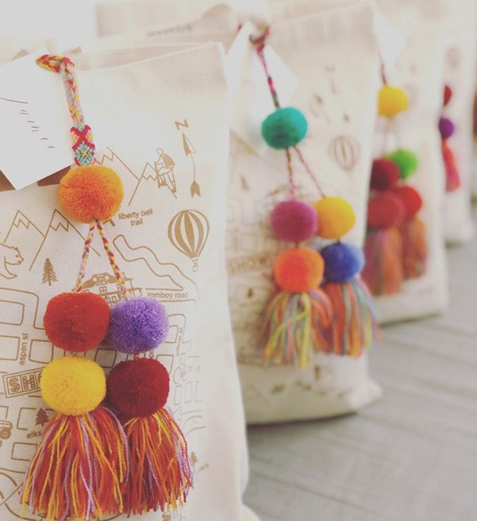 6 Personalised Wedding Favour Ideas That Your Guests Are Sure to Love