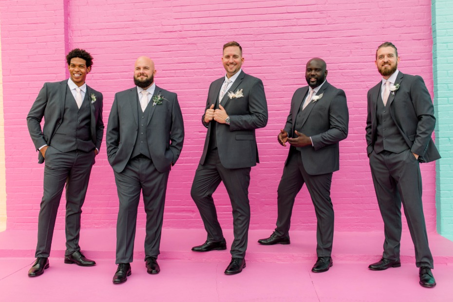 6 Reasons Grooms Want to Shop for Their Wedding Suits Online