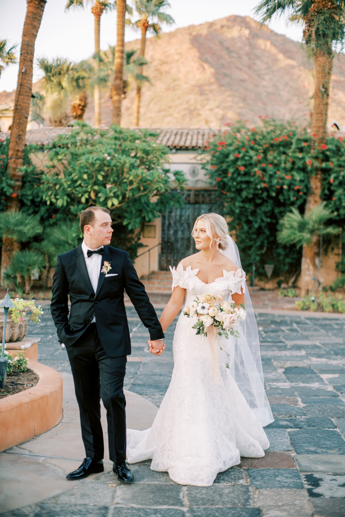 A Microwedding in Phoenix with a 30k Budget