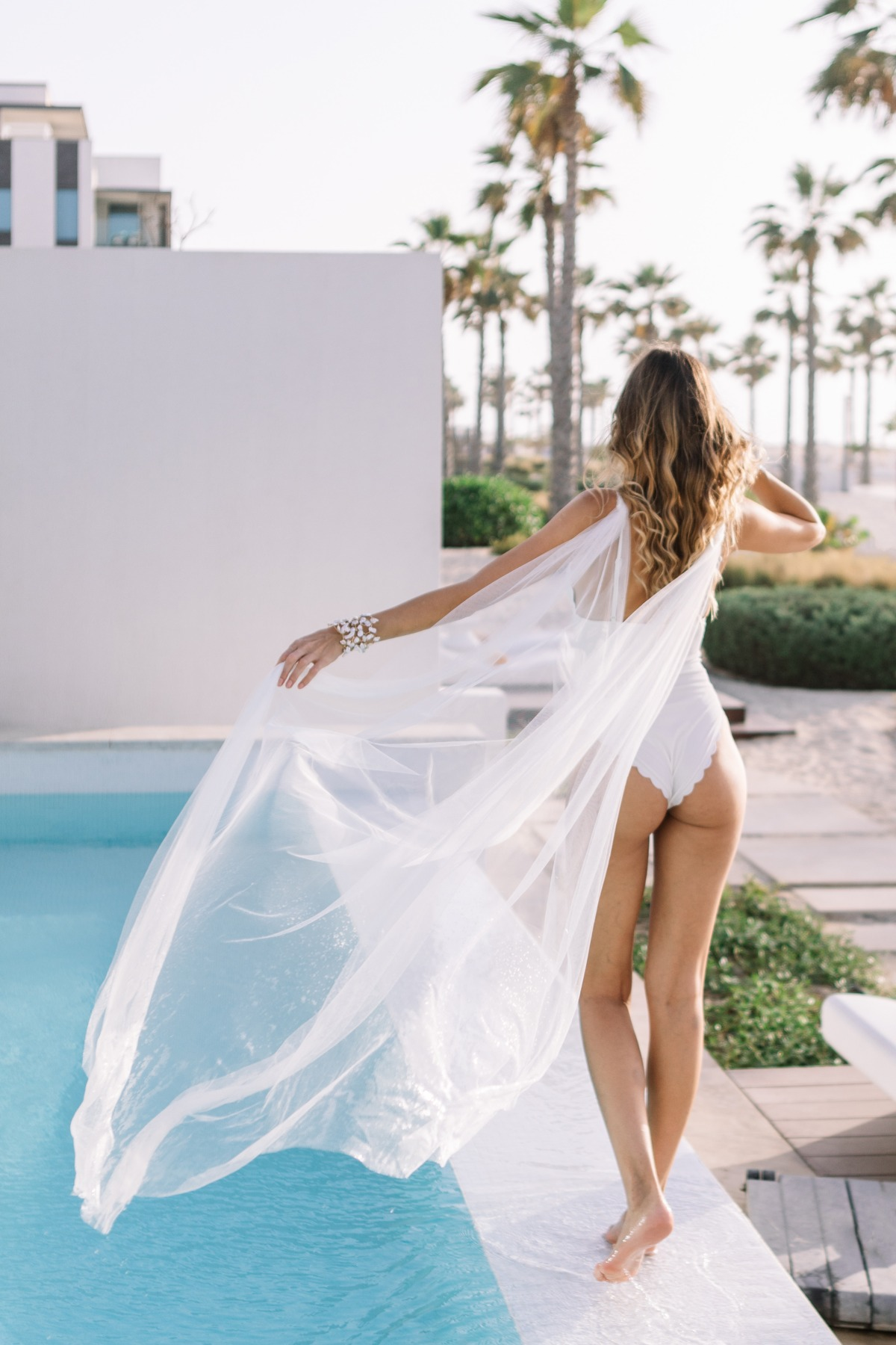 This Is Exactly How To Relax The Morning Of Your Wedding
