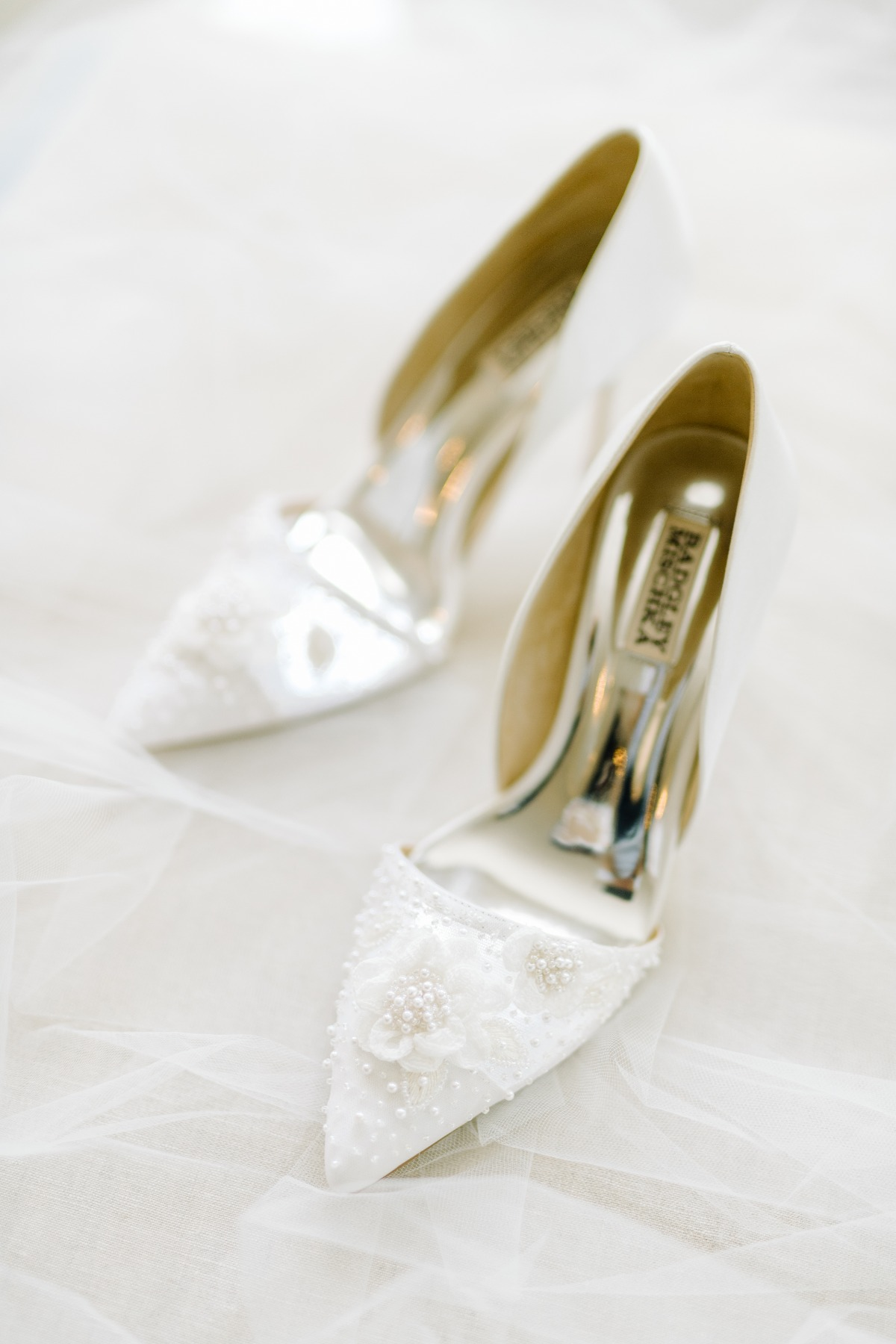 A Charleston Wedding That Dares To Be Timeless In These Trendy Times