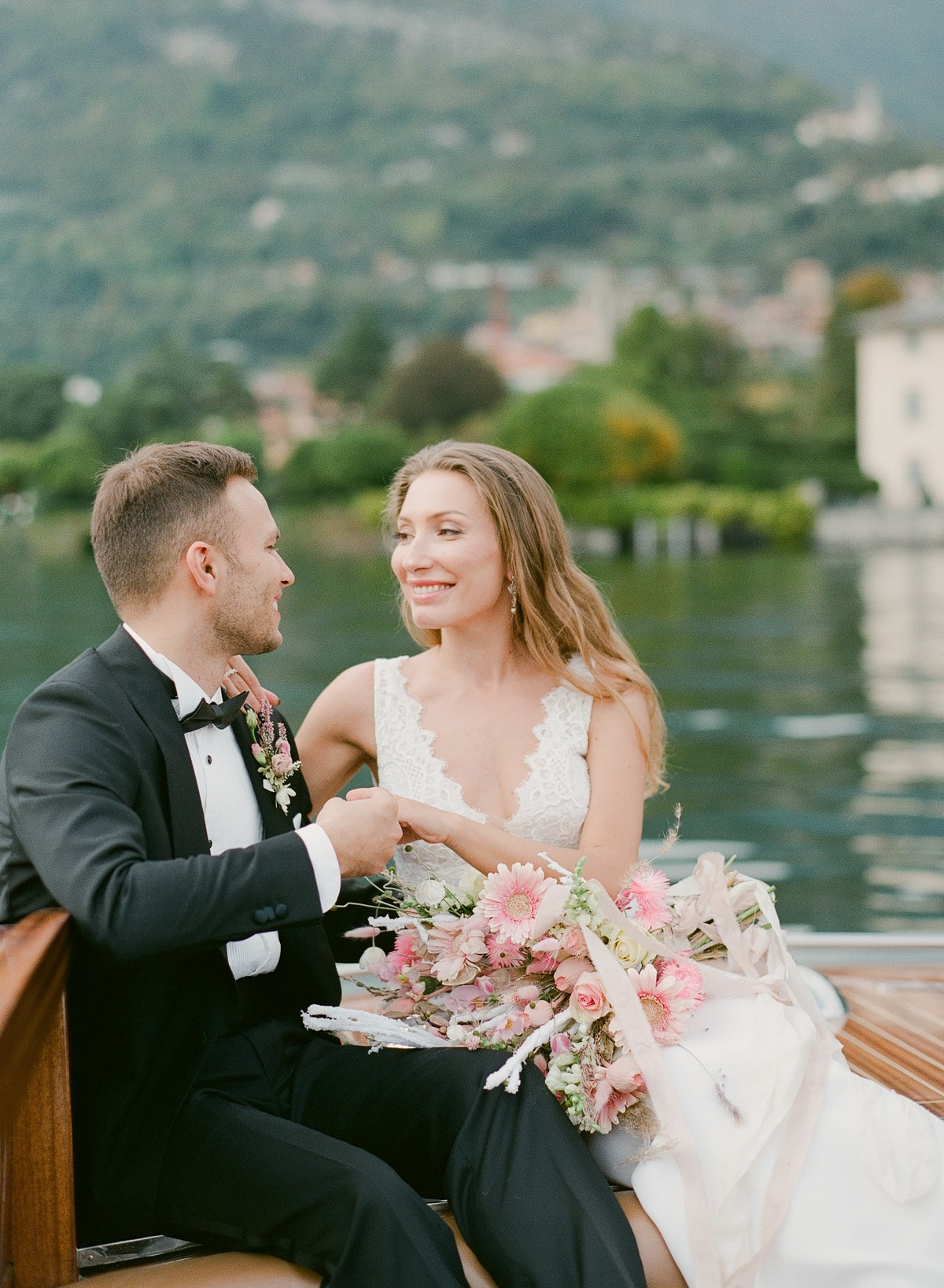 This Romantic Elopement Inspiration On Lake Como Is What Dreams Are Made Of