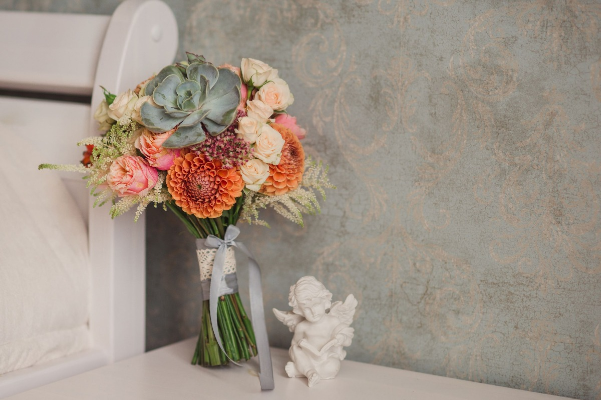 How to Make Succulent Wedding Bouquets Work