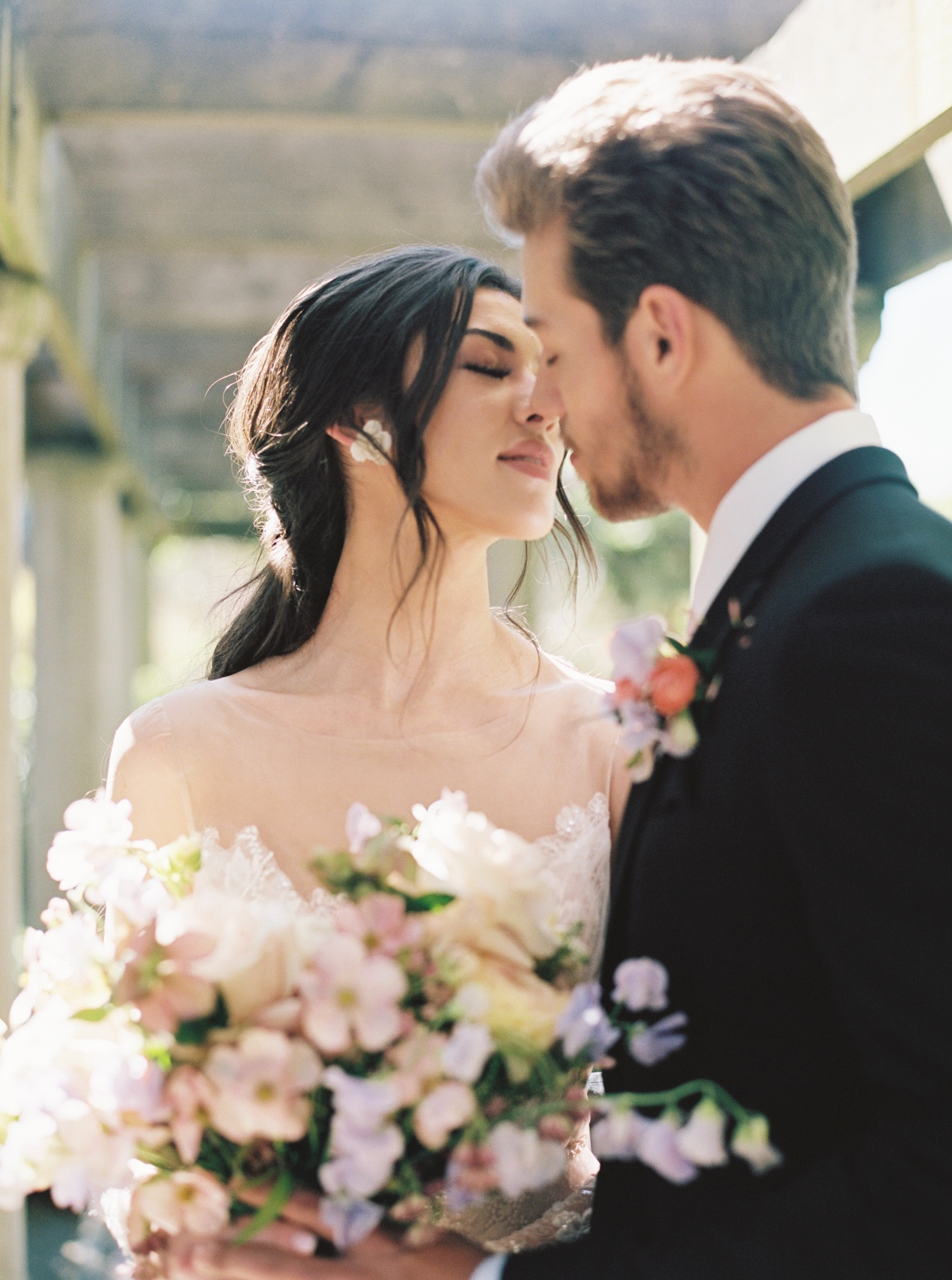 The One Wedding Theme That Never Goes Out Of Style