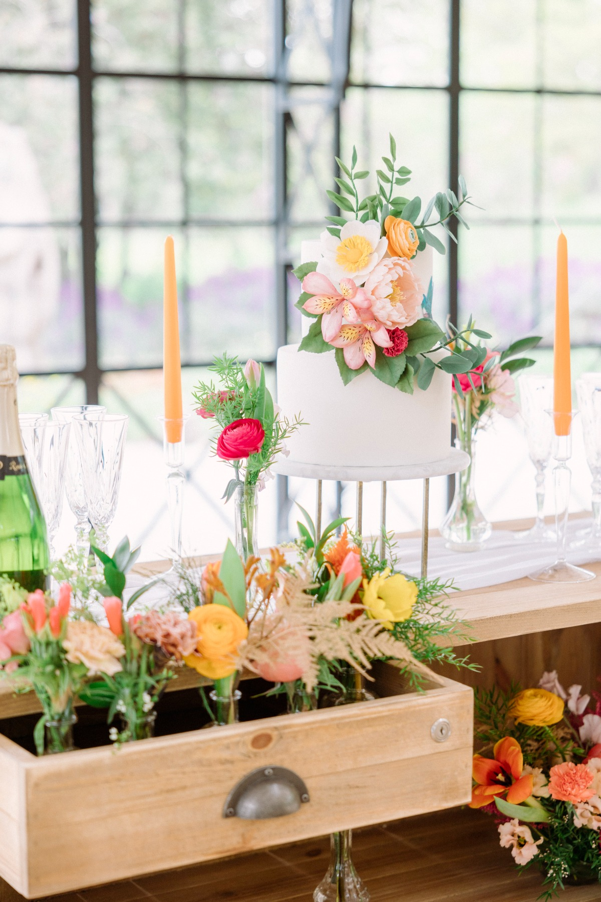 Your Venue Doesn't Dictate Your Color Palette