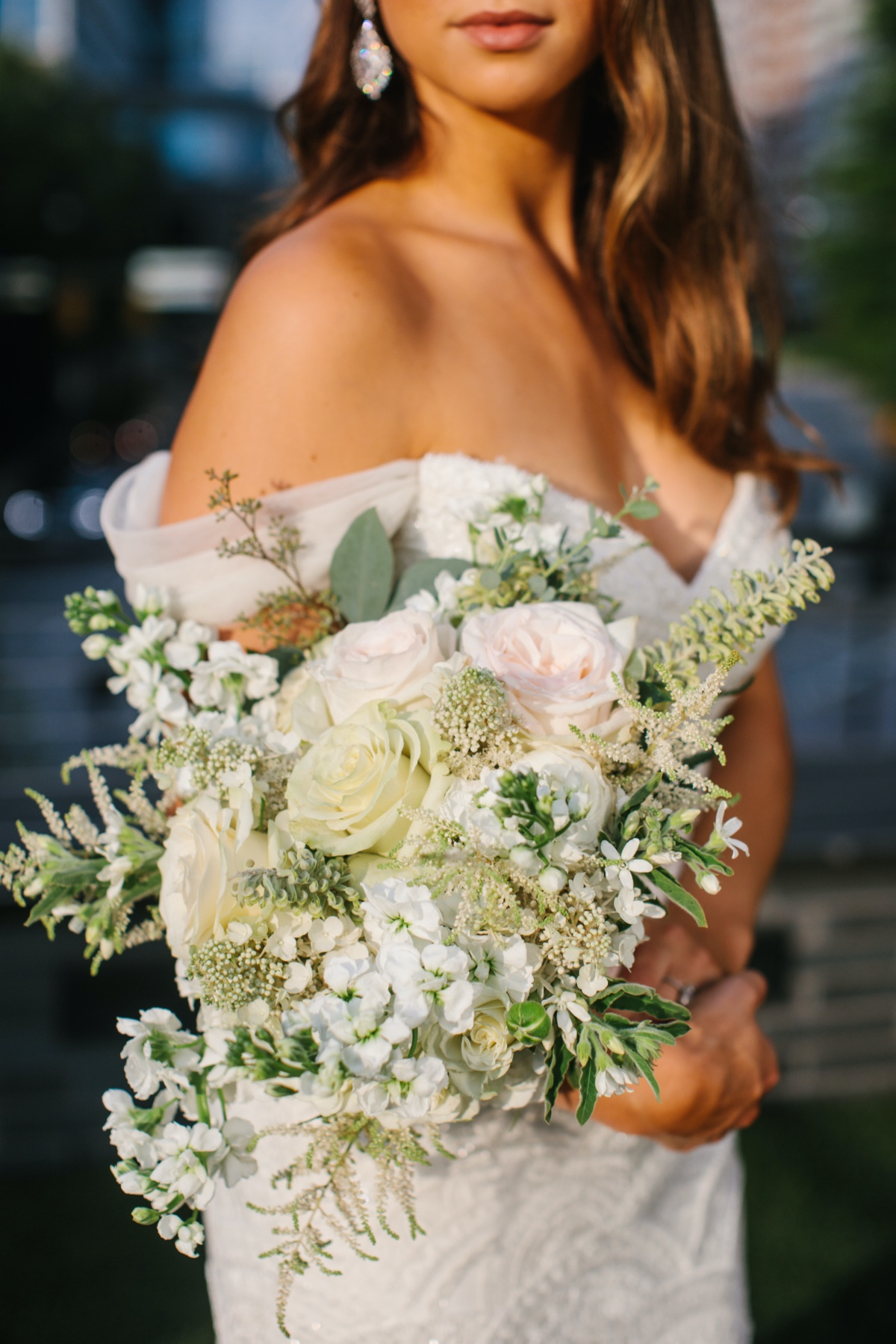 How Wedding Florals Tell a Love Story