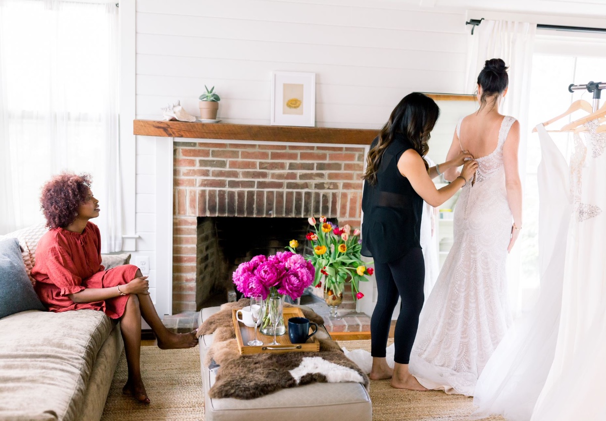 How To Plan The Perfect Try-At-Home Wedding Dress Day with Grace+Ivory